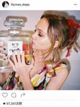 为什么17岁的Lily-Rose Depp成了香奈儿N°5的代言人?